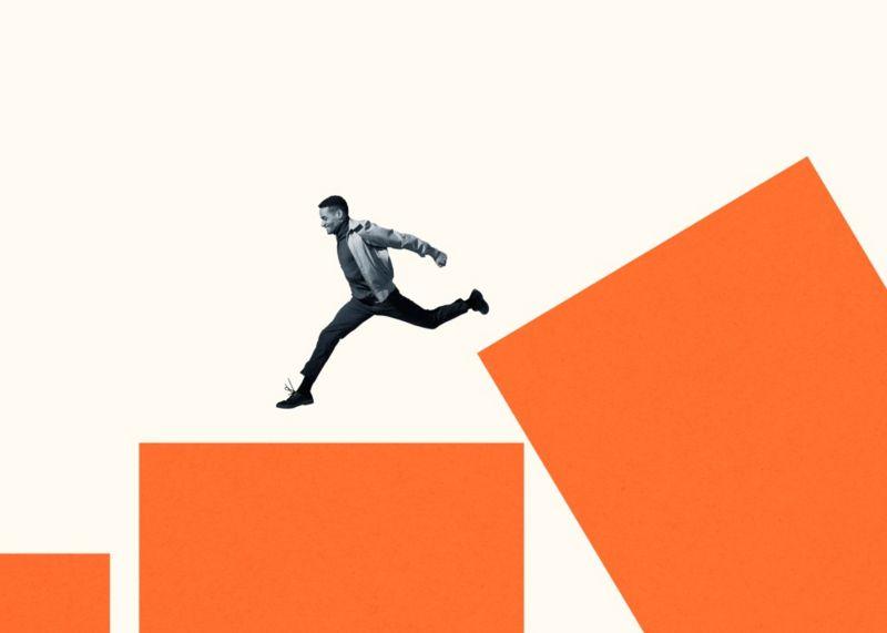 """""""Nadie salta a lo desconocido, a menos que tenga que hacerlo"""", indica Ibarra."""